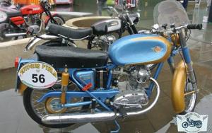 scooter piazza italia
