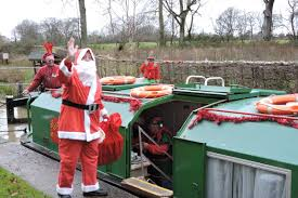 wey and arun canal boat xmas