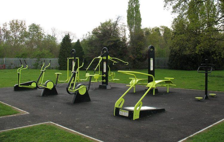 new free outdoor gym in horsham park horsham blog. Black Bedroom Furniture Sets. Home Design Ideas
